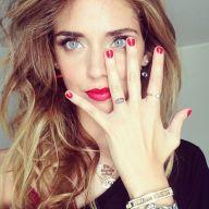 f9dad42c3ba61b7eaaaa77443cf2d084--bright-red-nails-chiara-ferragni-tattoo